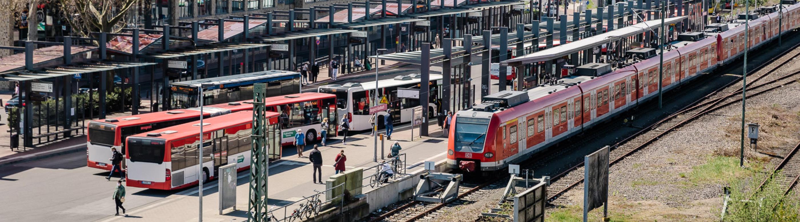 <p>Die Stadt Bergisch Gladbach hat für den Ausbau der S 11 weitere wichtige Beschlüsse gefasst.</p>