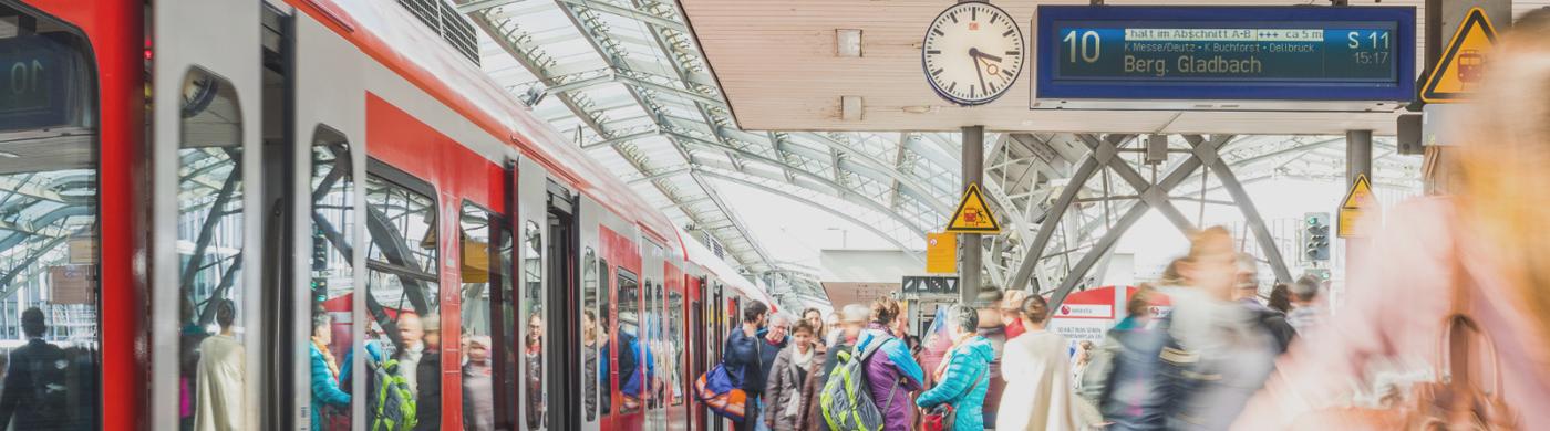 <p>Braucht man in Köln zwei (Haupt-)Bahnhöfe? Unser Kolumnist Peter Kradepohl geht dieser Frage nach.</p>